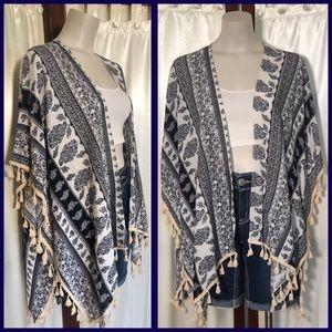 Beautiful navy/white kimono by Lulla